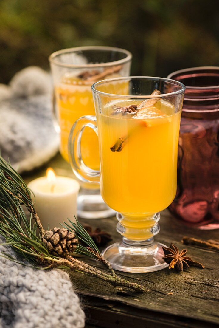 Apple mulled wine with cinnamon and star anise