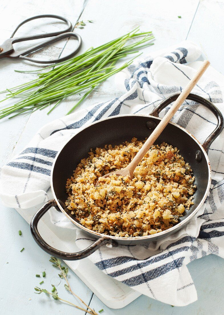 Fried breadcrumbs with herbs