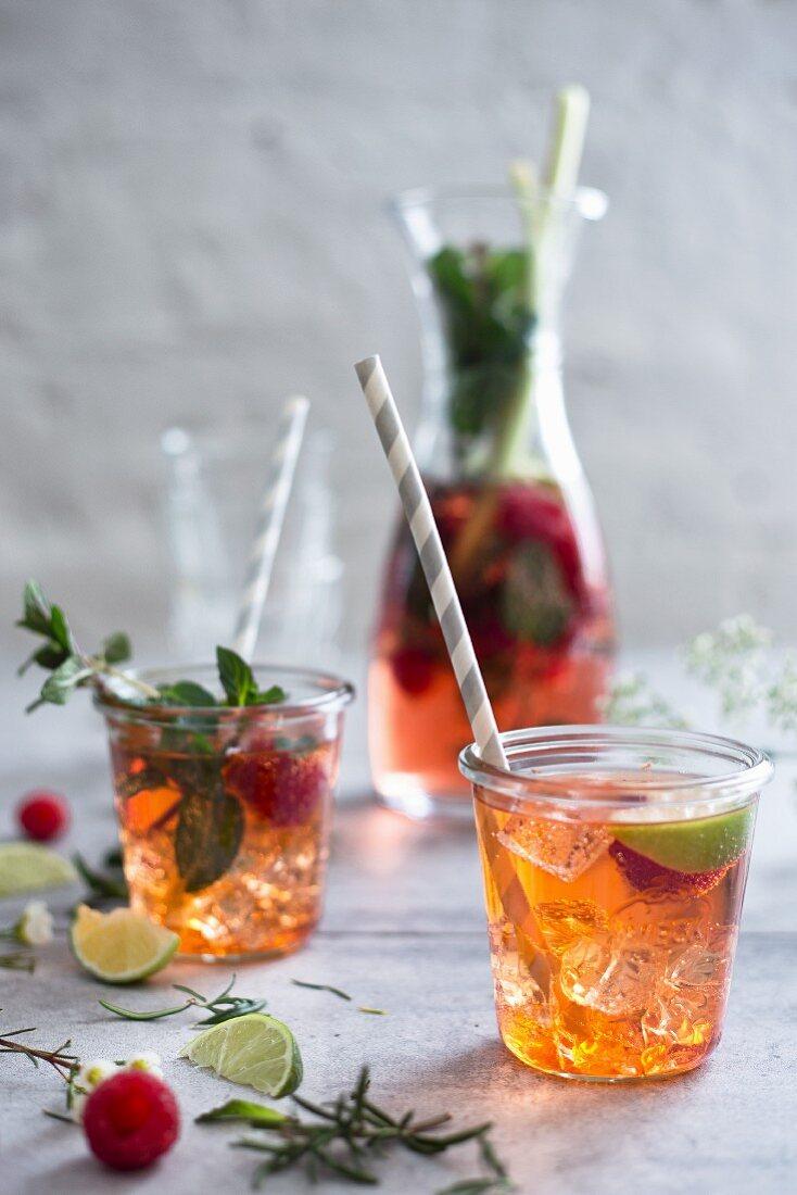 Raspberry spritzer with ice cubes