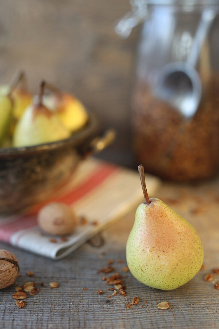 Pears with granola