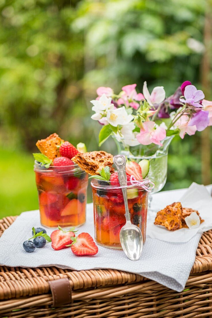 Pimms jelly with fruit and honeycomb for a picnic