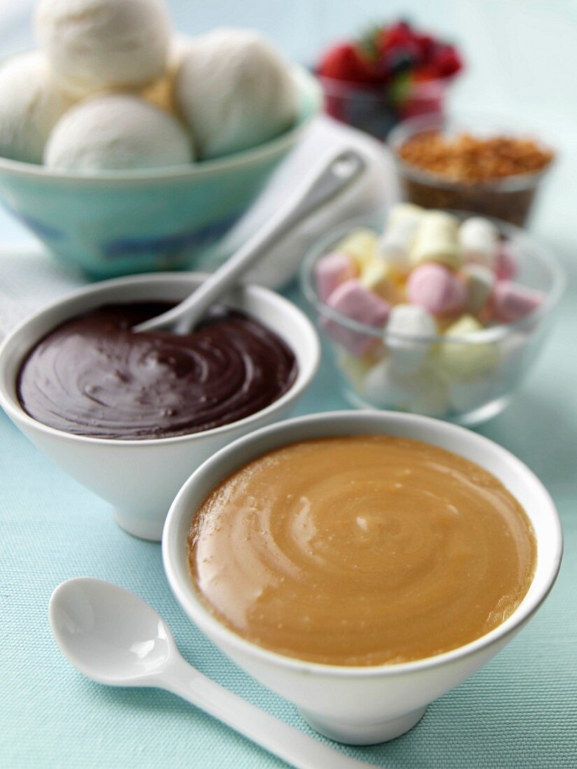 Ice cream sauces and toppings