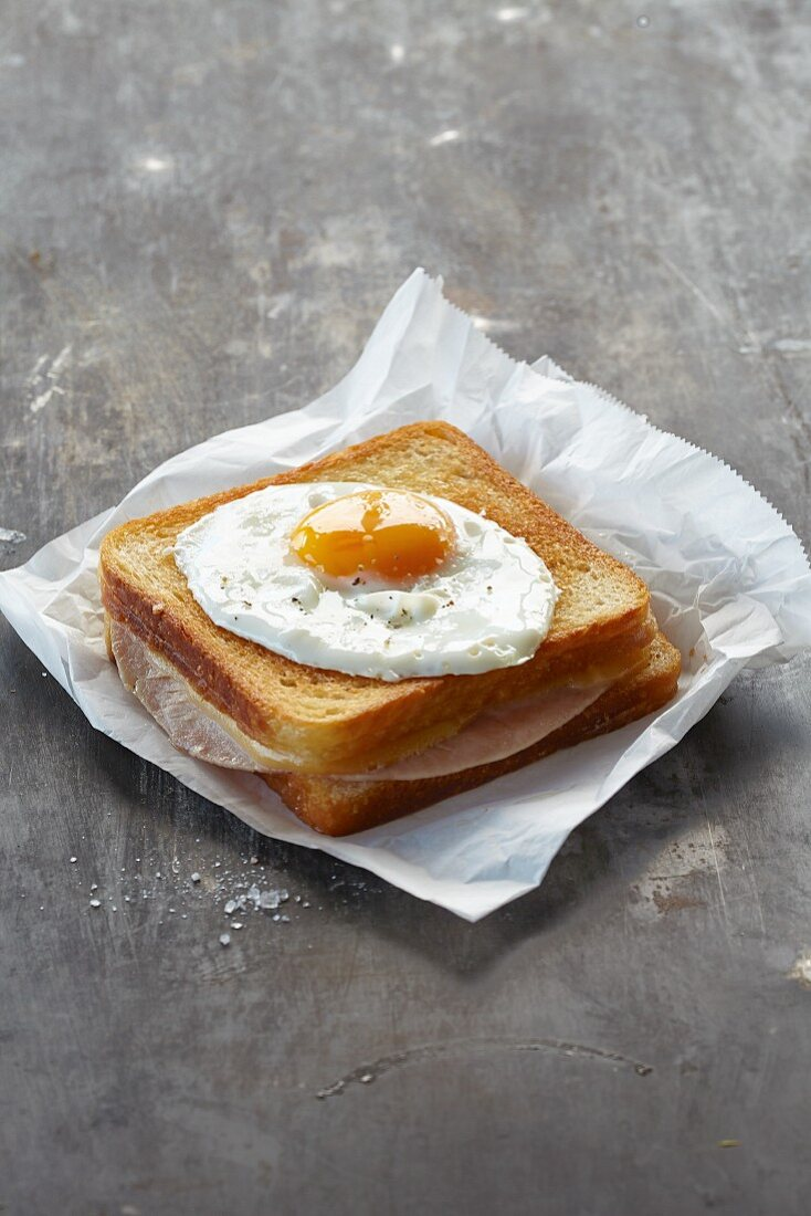 Croque Madame (grilled ham and cheese sandwich with fried egg)