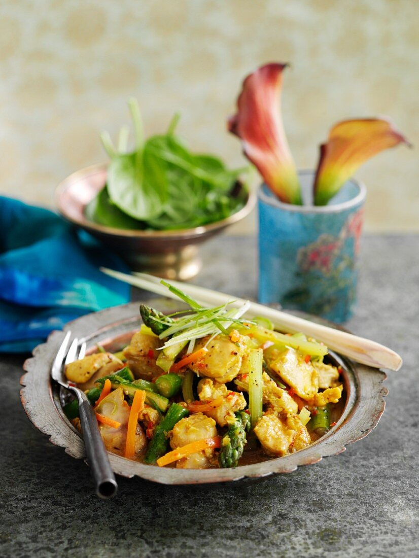 Chicken with vegetables and lemongrass (Vietnam)