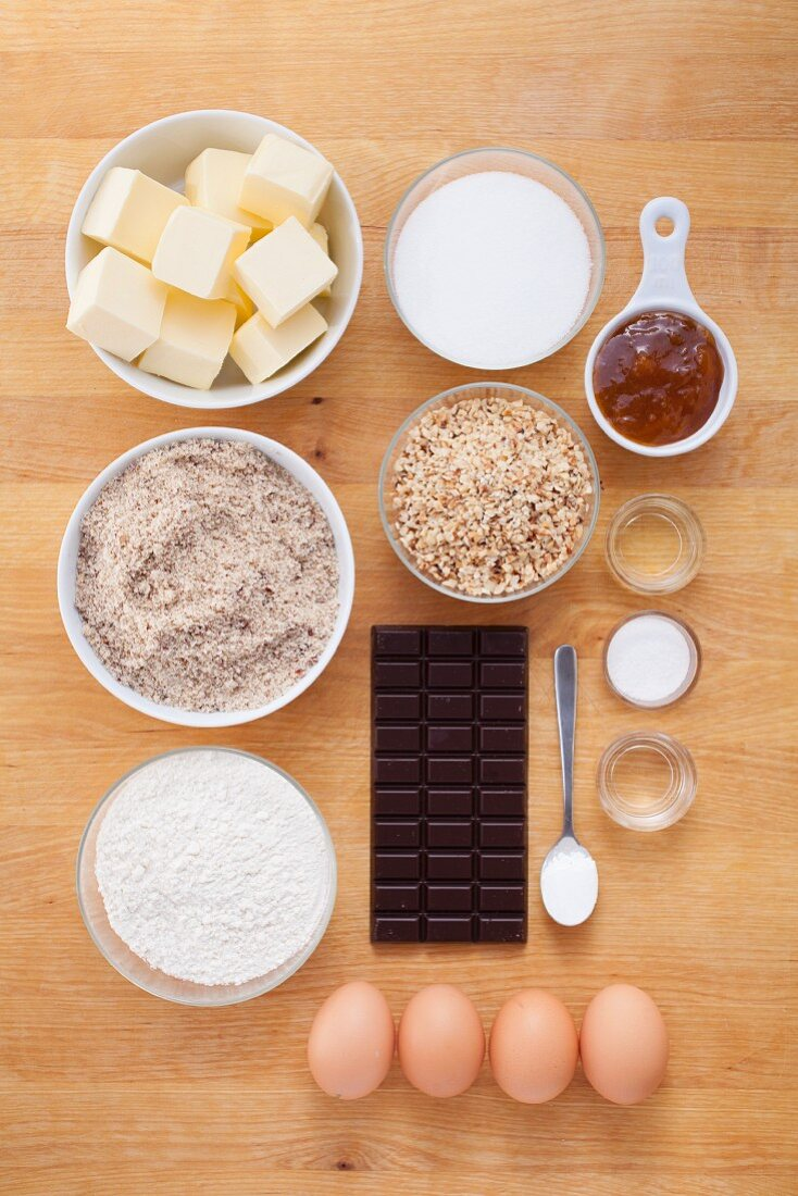 Ingredients for nut cake