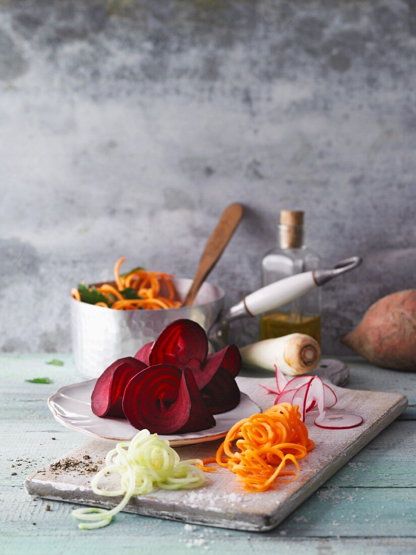 Colourful vegetable noodles from the spiralizer
