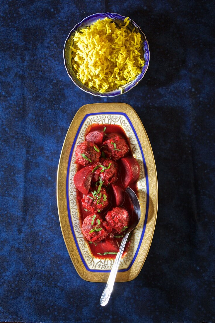 Lamb chops with beetroot and rice (Iraq)