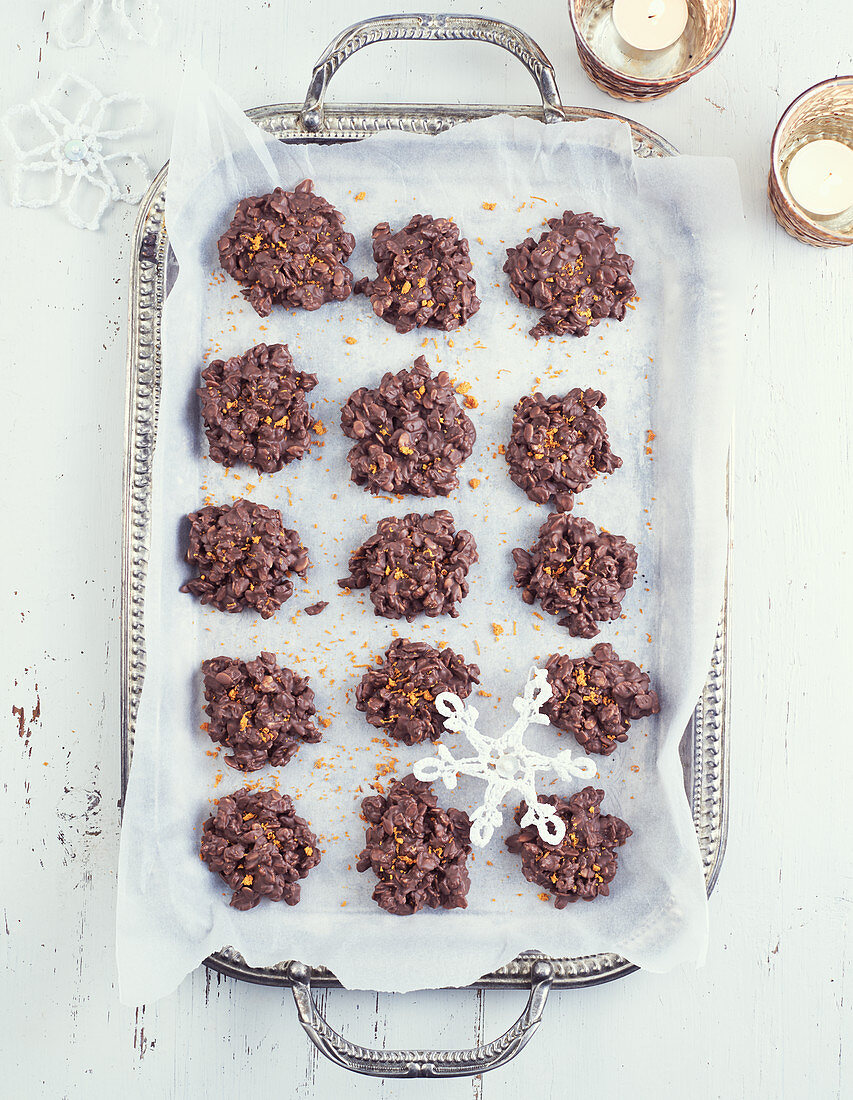 Chocolate and orange cereal biscuits (Christmas)