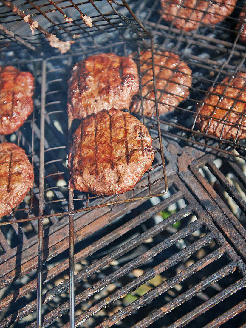 Grilled wild boar burgers