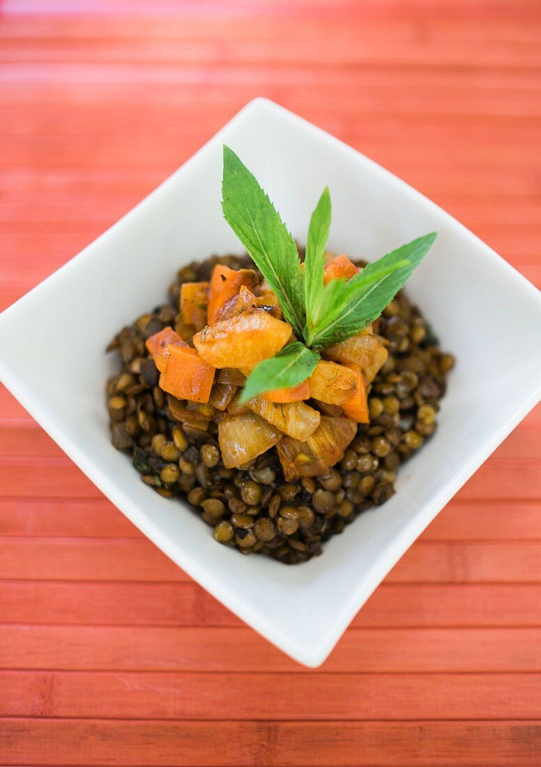 Balsamic lentils with carrot and fennel