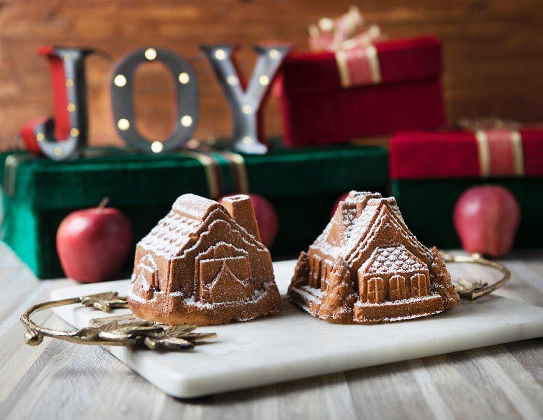 Small apple cake houses baked for Christmas