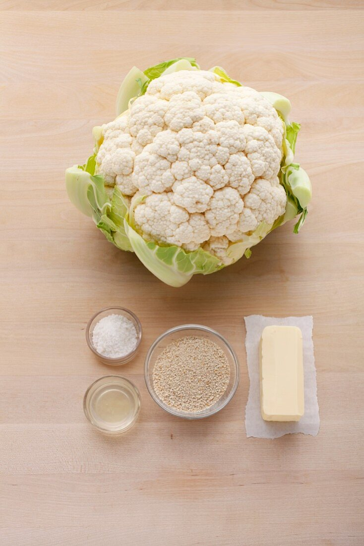 Ingredients for cauliflower with breadcrumbs