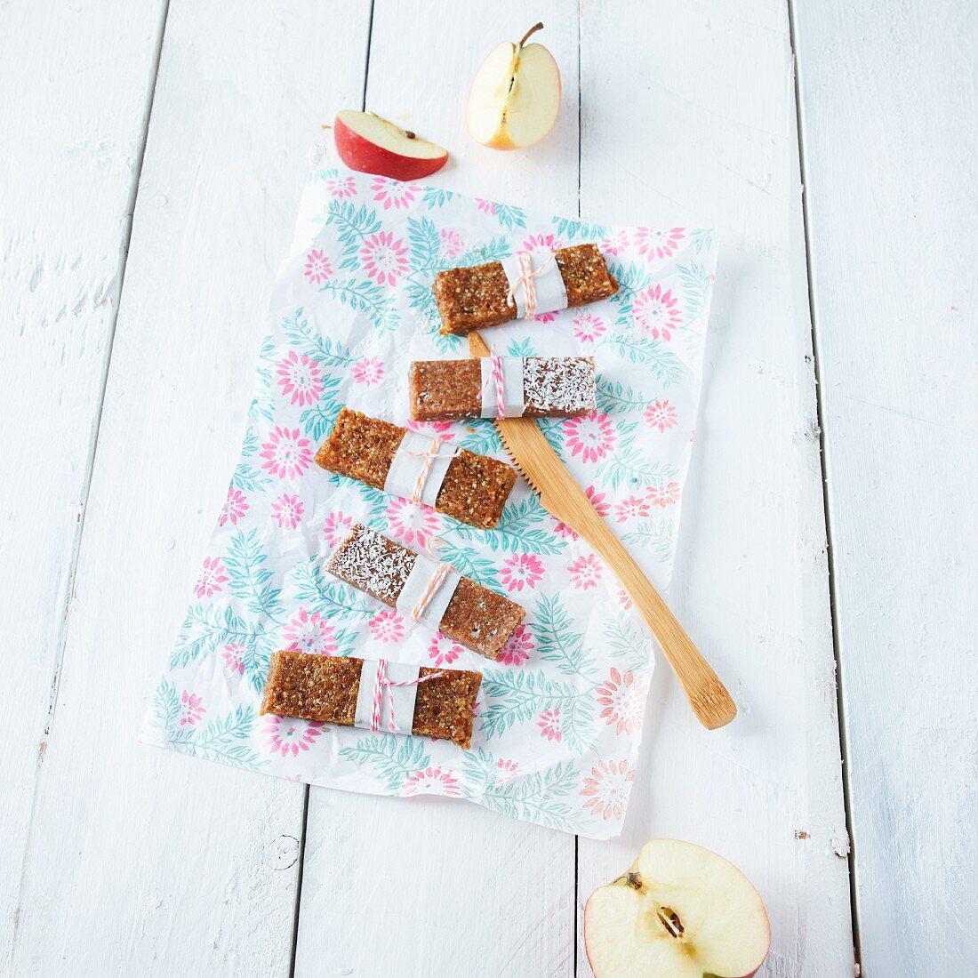 Kokos-Apfel-Riegel zum Mitnehmen