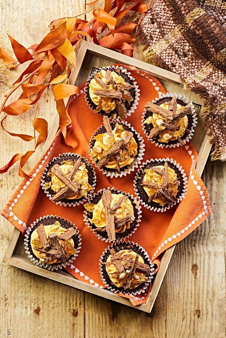 Autumnal muffins with chocolate shavings
