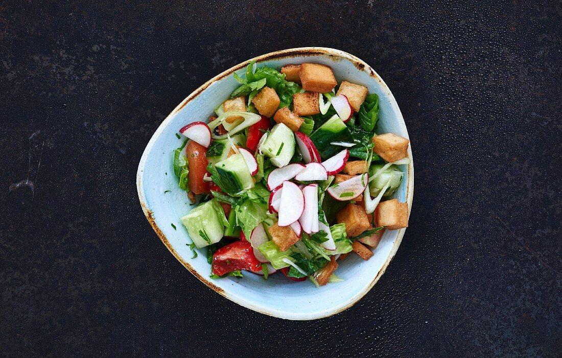 Fatoush (Salat mit Fladenbrot, Libanon)
