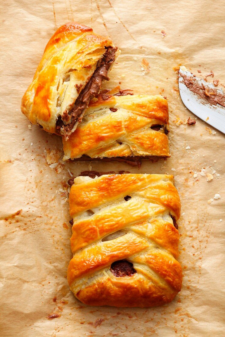 Chocolate strudel made with ready-made flaky pastry
