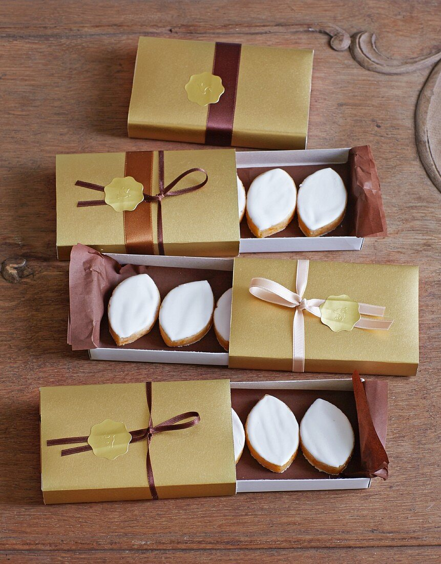 Calissons (French almond confectionery)