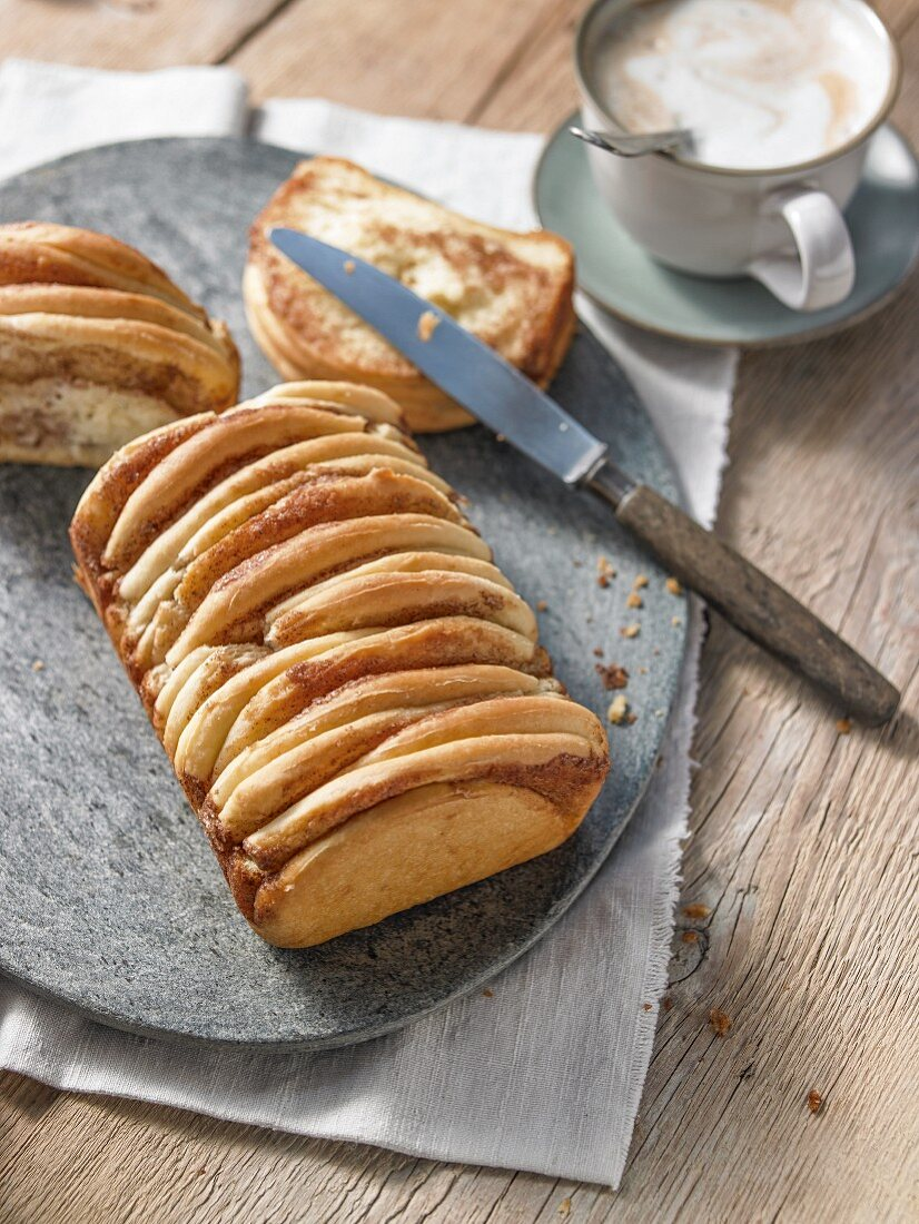 French bread with cinnamon (sweet yeast pastry)