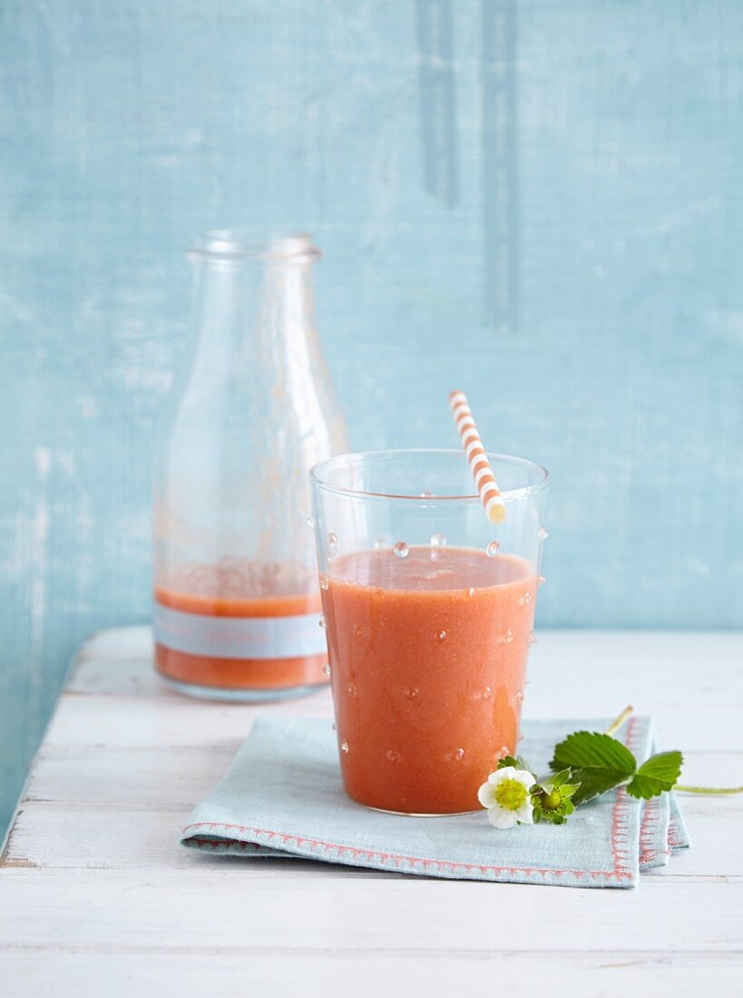 A tomato, courgette, and strawberry smoothie - 'Sweet Sunrise'