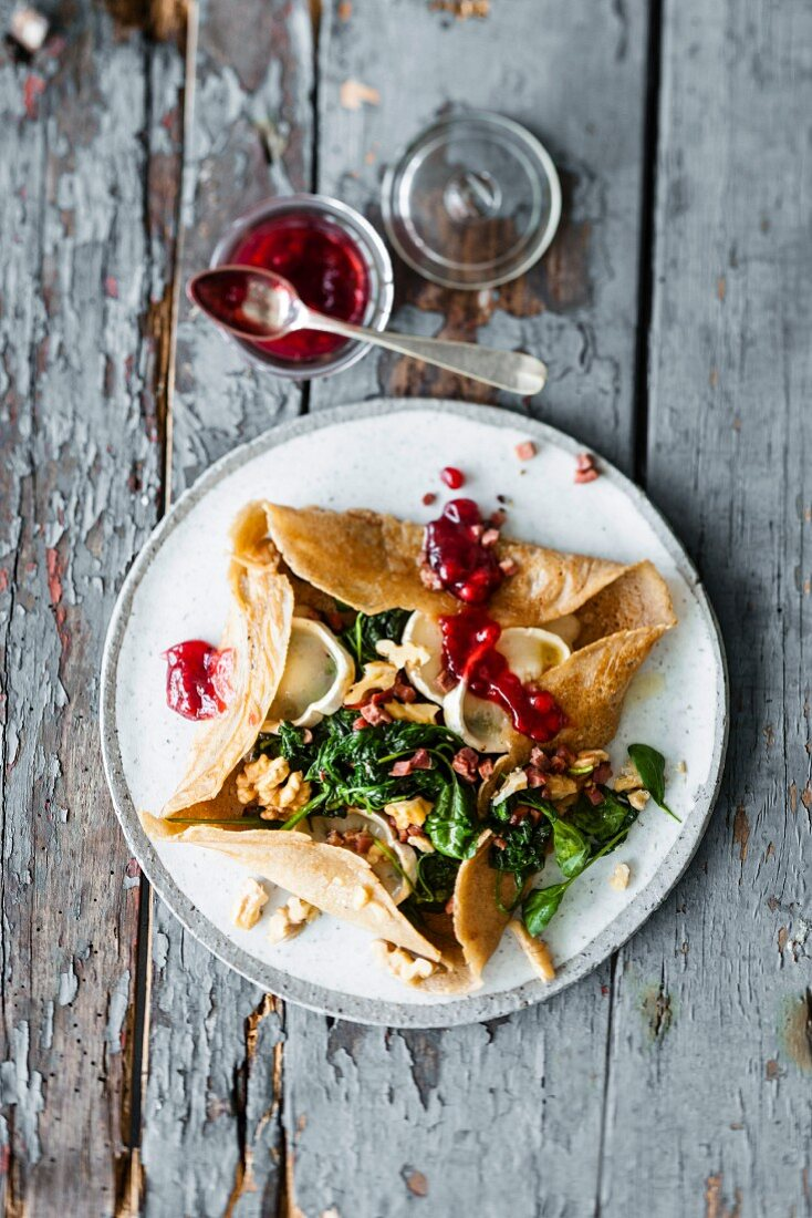 Buckwheat galette with spinach, goat's cheese and walnuts