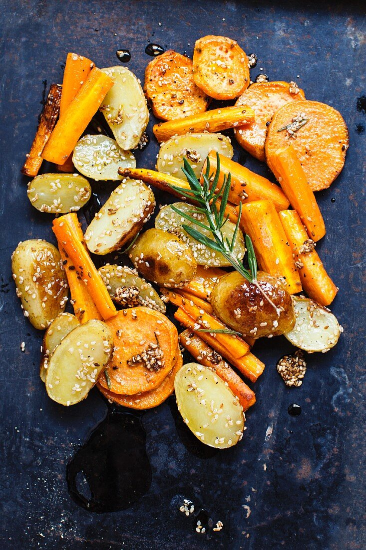 Roasted vegetables with rosemary and sesame seeds