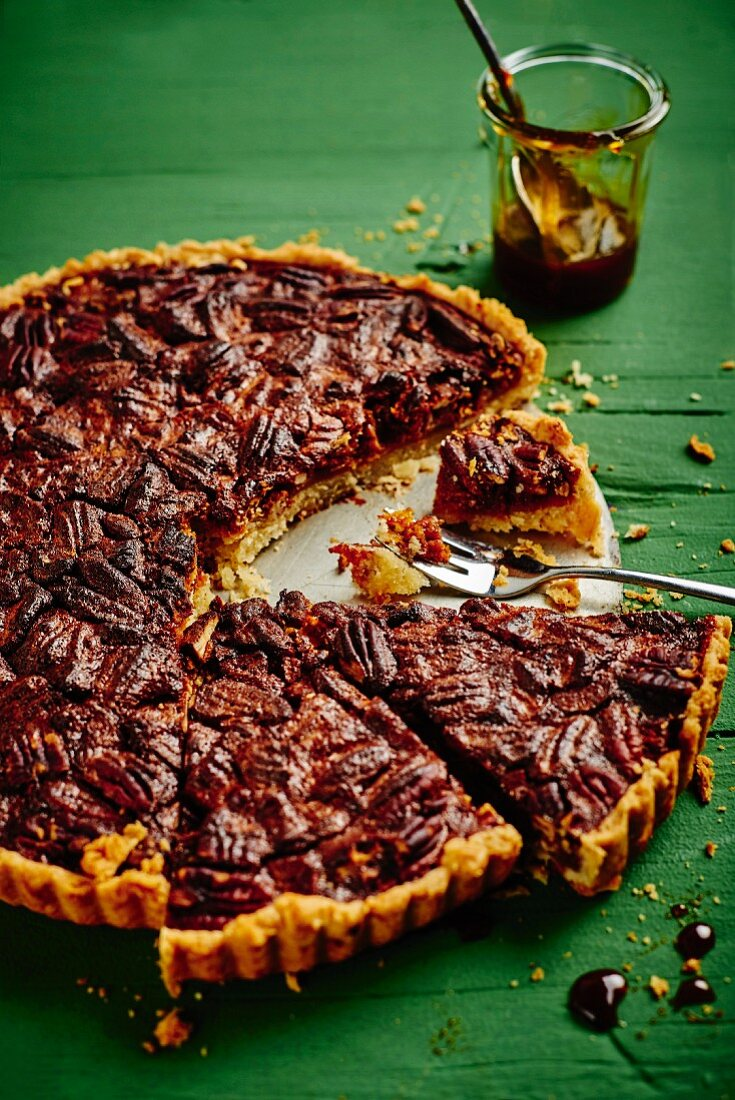 Sliced caramel and pecan tart