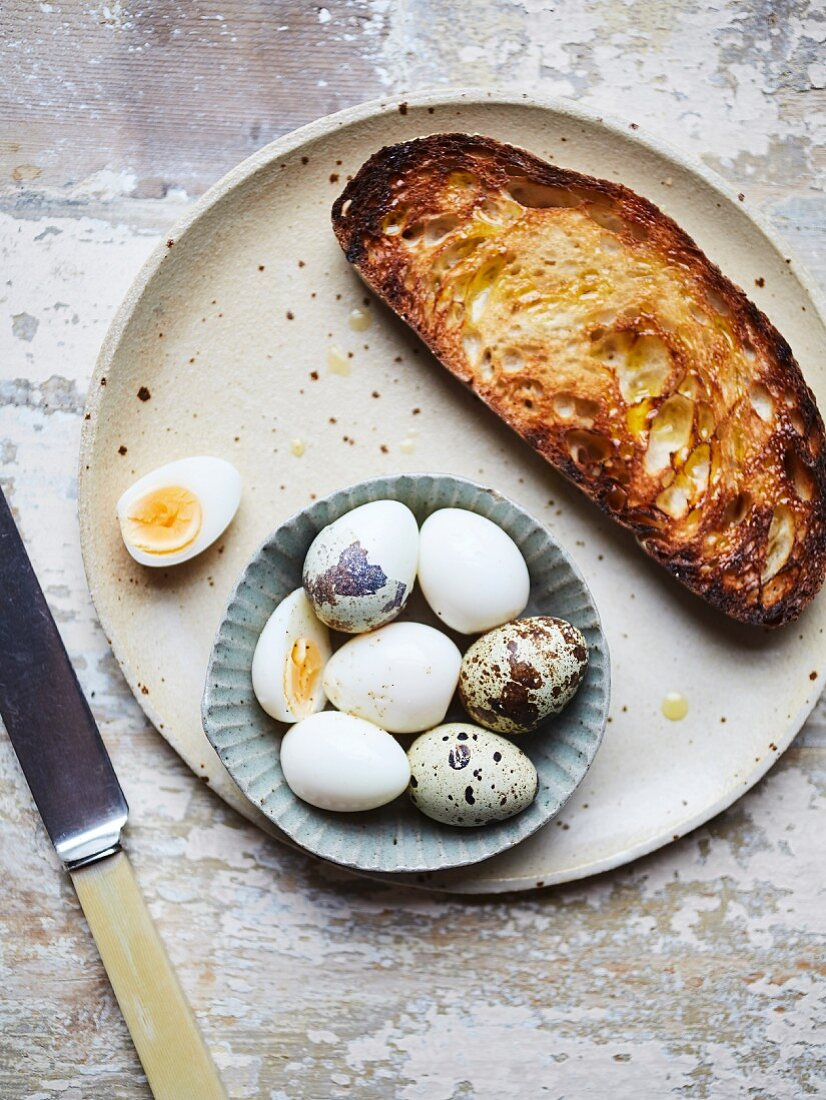 Quail eggs on toast