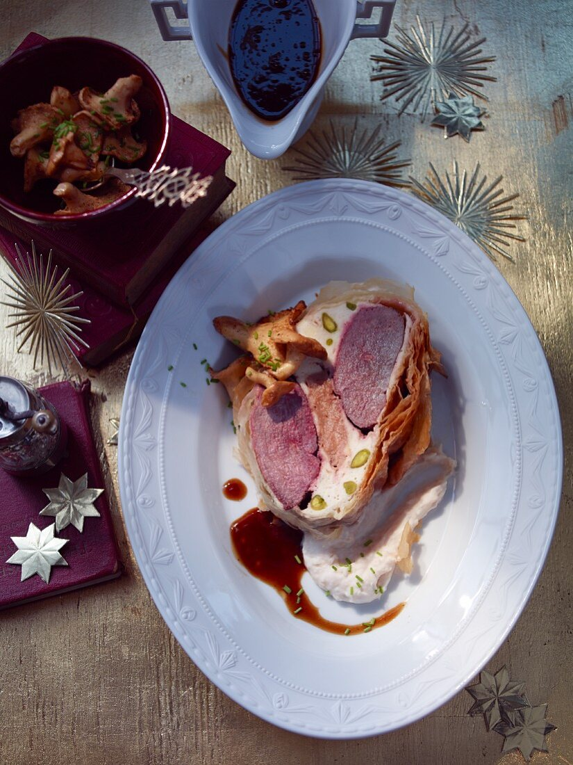 Goose breast rolls with chanterelles (Christmas)