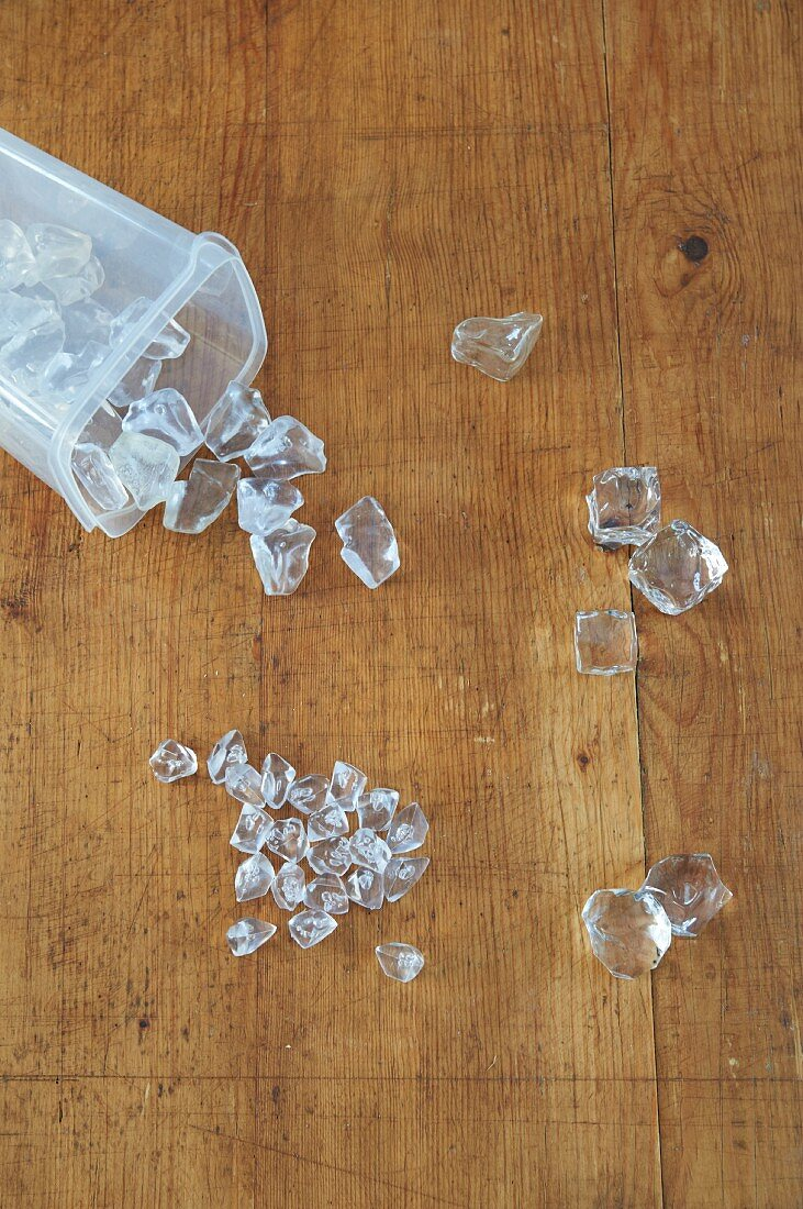 Plexi glass ice cubes