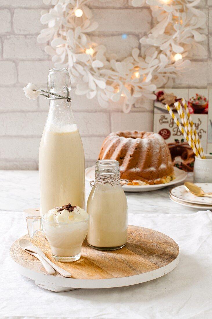 Egg liqueur and a gugelhupf (Christmas)