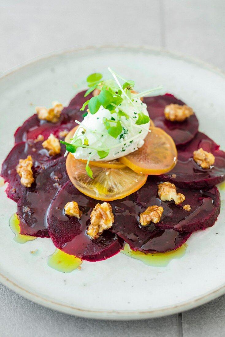 Beetroot carpaccio with salt and herb cream cheese