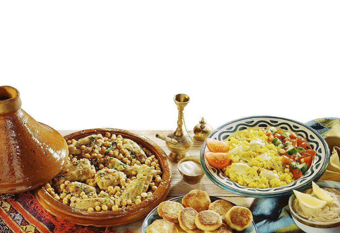 Huhntajine mit Brottalern & Huhn mit Blumenkohl & Reis