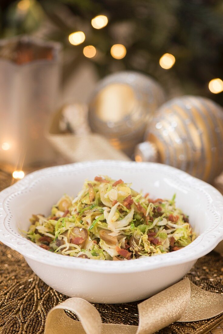 Cabbage salad with bacon (as a side dish for Christmas dinner)