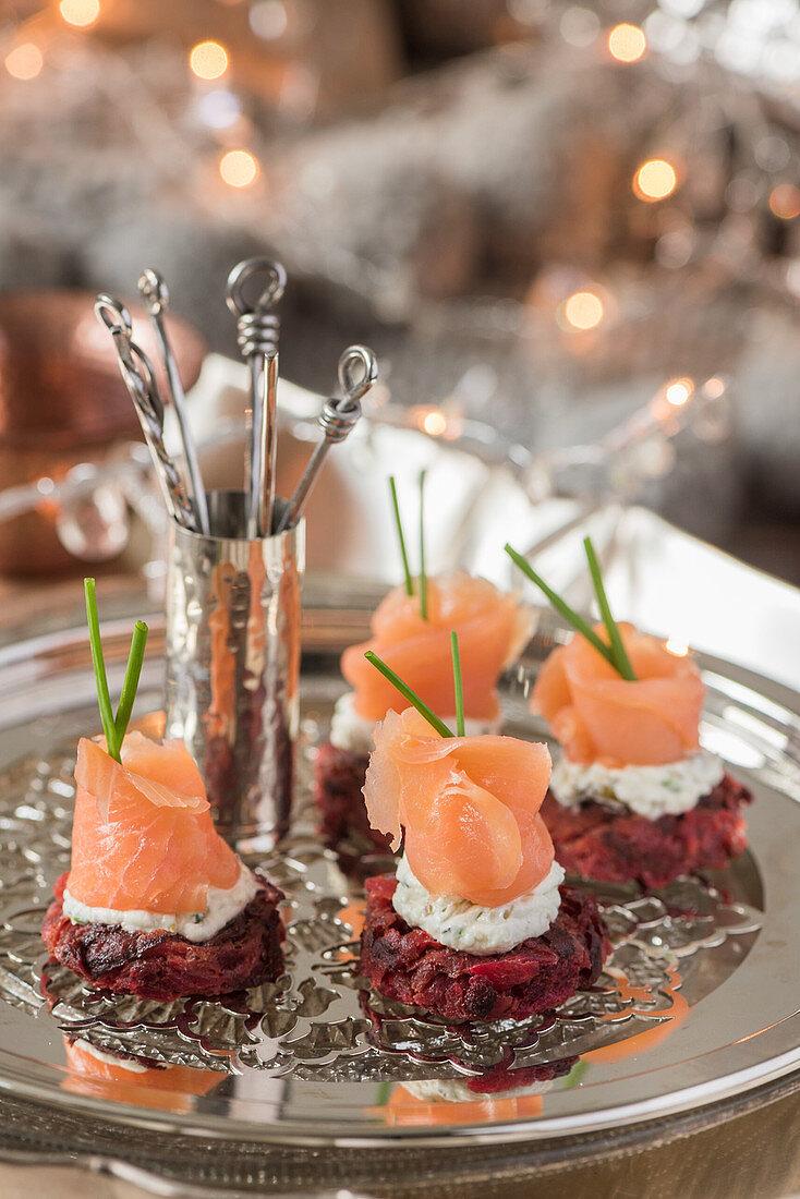 Rostis with horseradish cream and smoked salmon