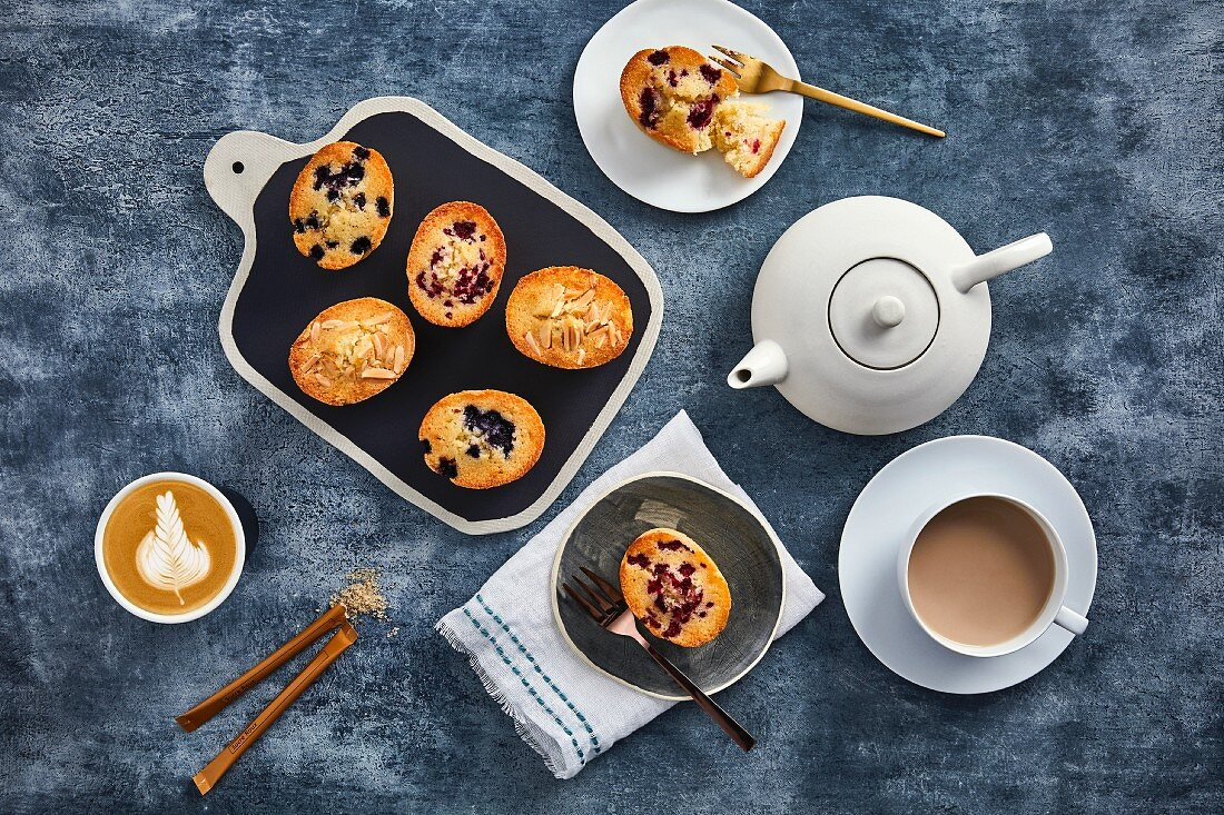 'Friands', small almond cakes, served with coffee