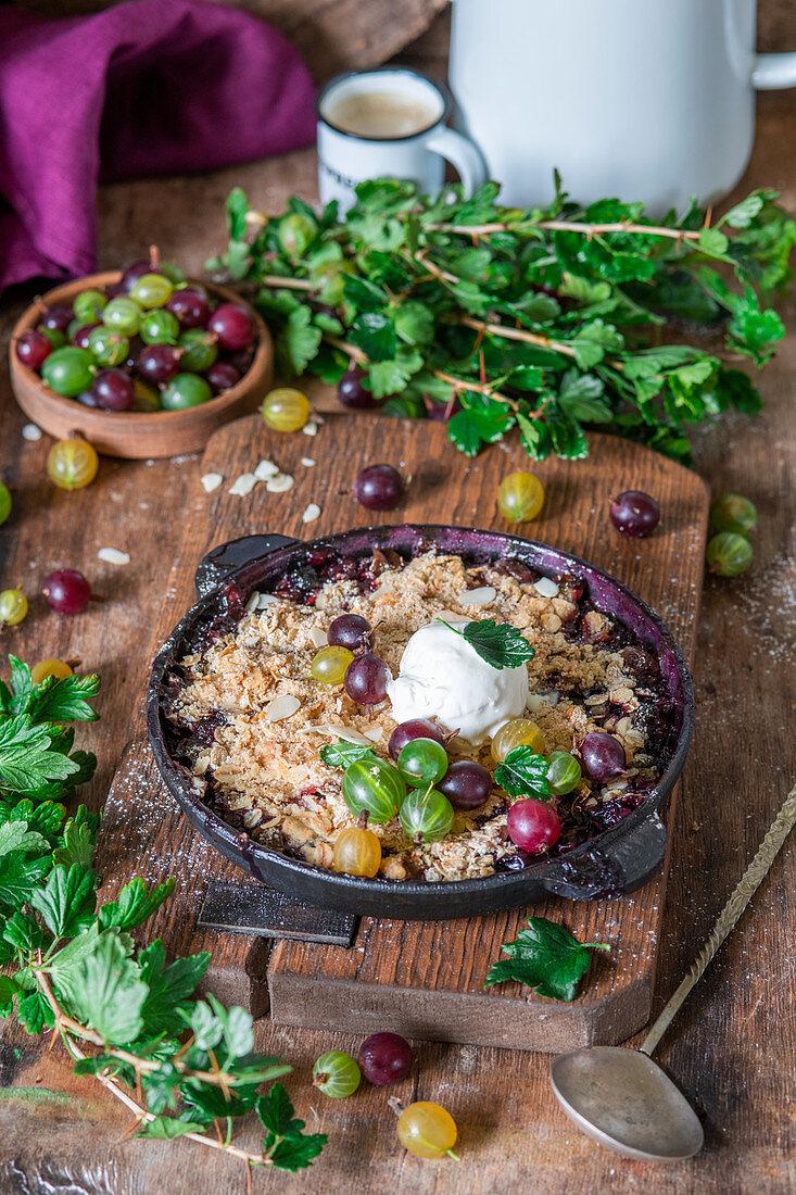Gooseberry oats crumble