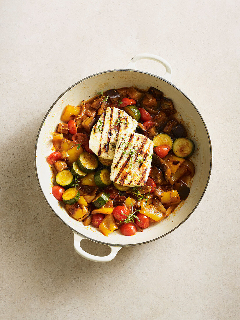 Ratatouille with grilled halloumi (low carb)