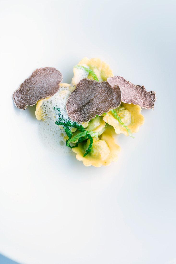 Cabbage ravioli with Alba truffles