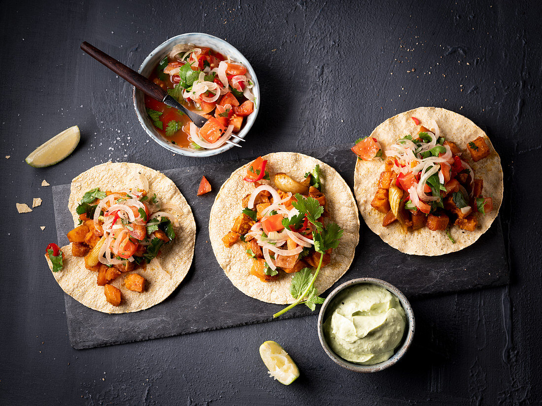 Tortillas with a vegetable filling (Mexico)