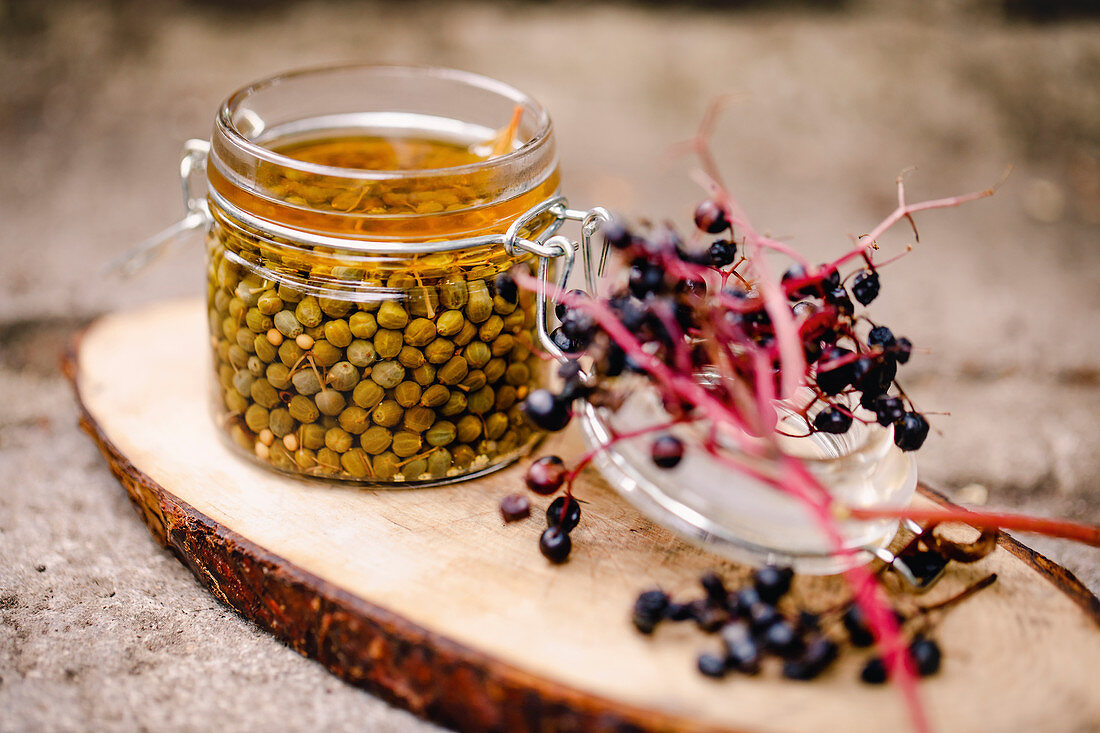 Preserved green elderberry capers