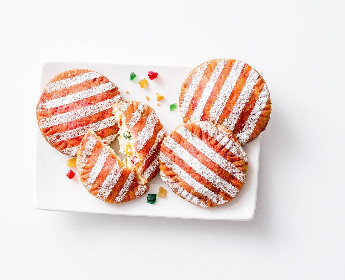Panzerotti con crema di ricotta (stuffed biscuits, Italy)