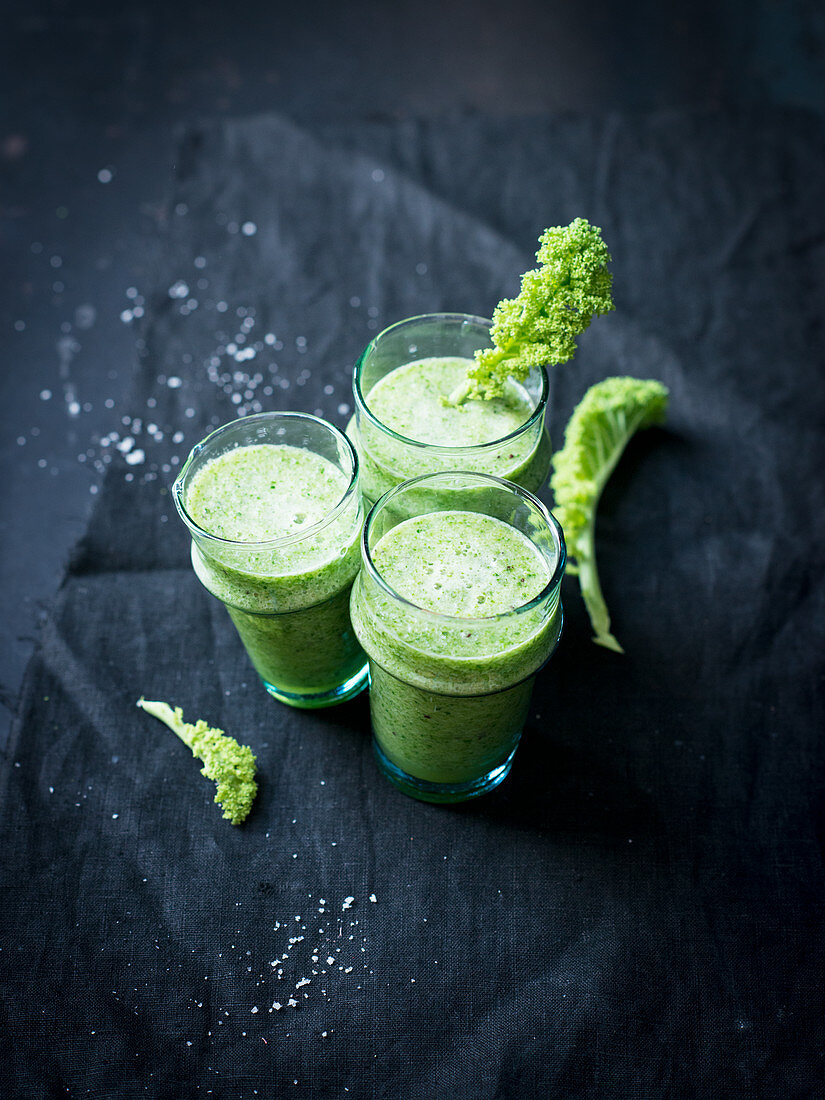 Green kale smoothies