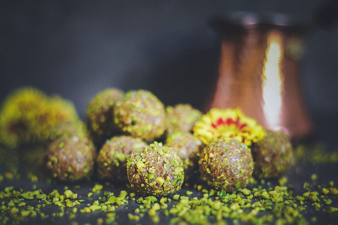 Energy balls made of apricots, dates, almonds and pistachios