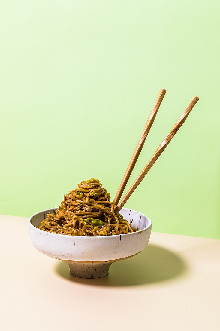 Fried noodles with egg