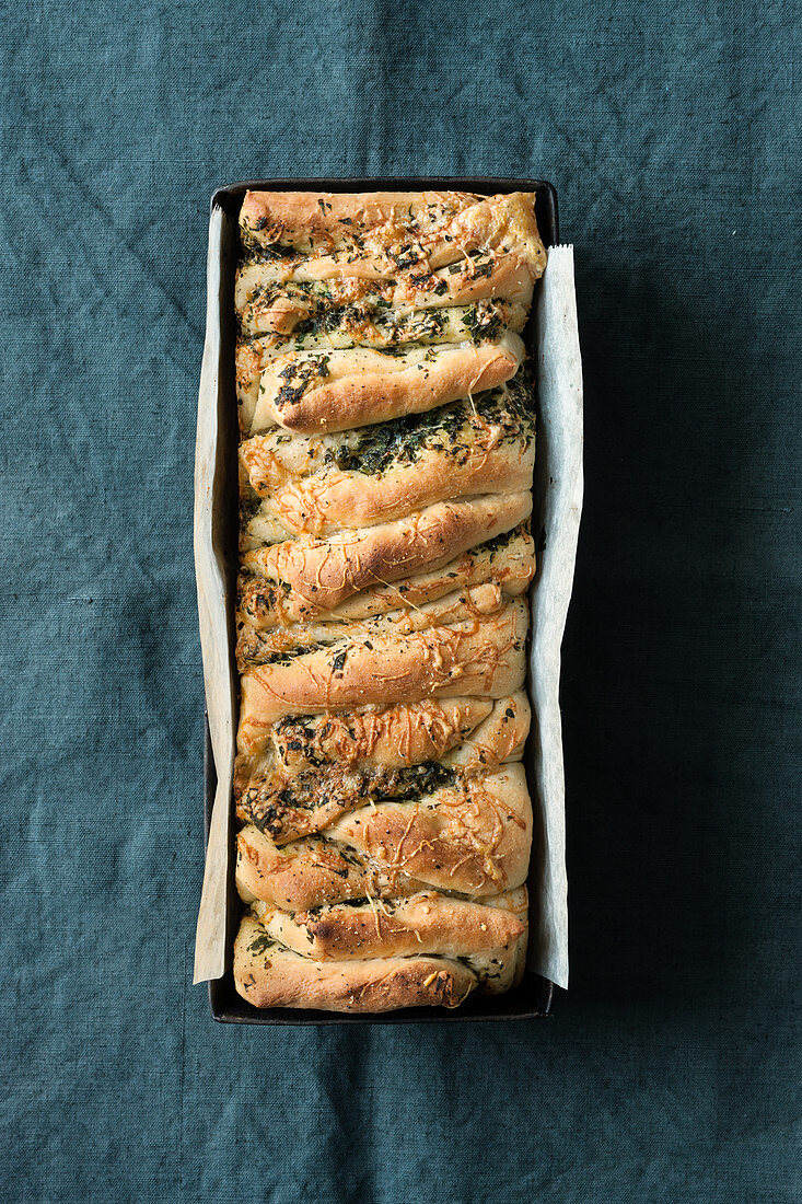 Herb pull-apart bread with alpine cheese