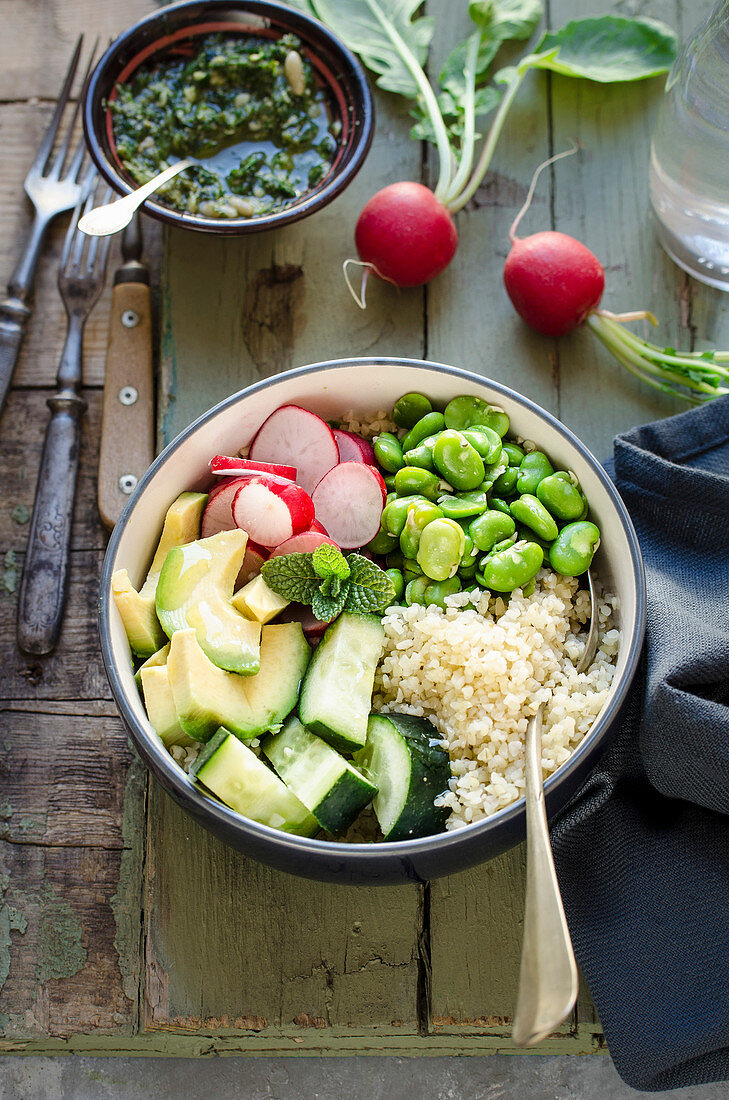 Buddha bowl with bulgur and vegetables
