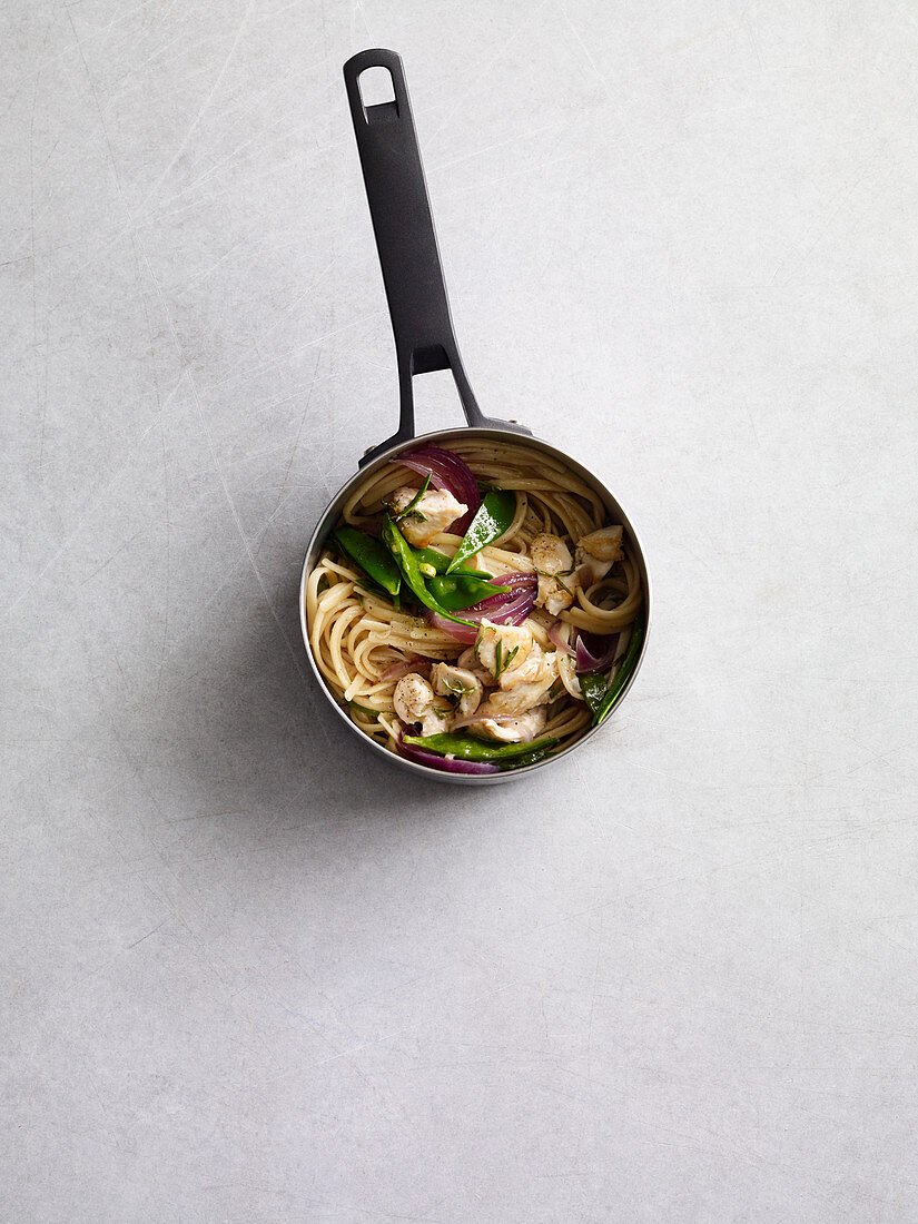 Linguine with rosemary chicken (one pot pasta)