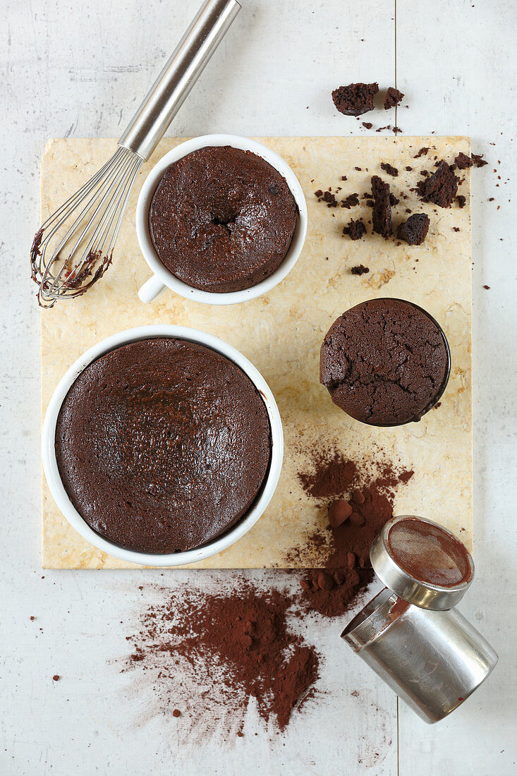 Chocolate souffle with cocoa powder