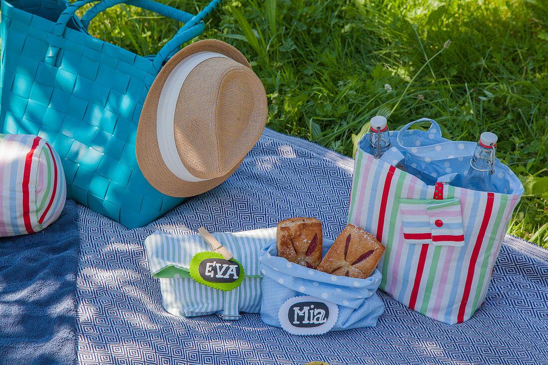 Hand-sewn bottle bag and picnic bag