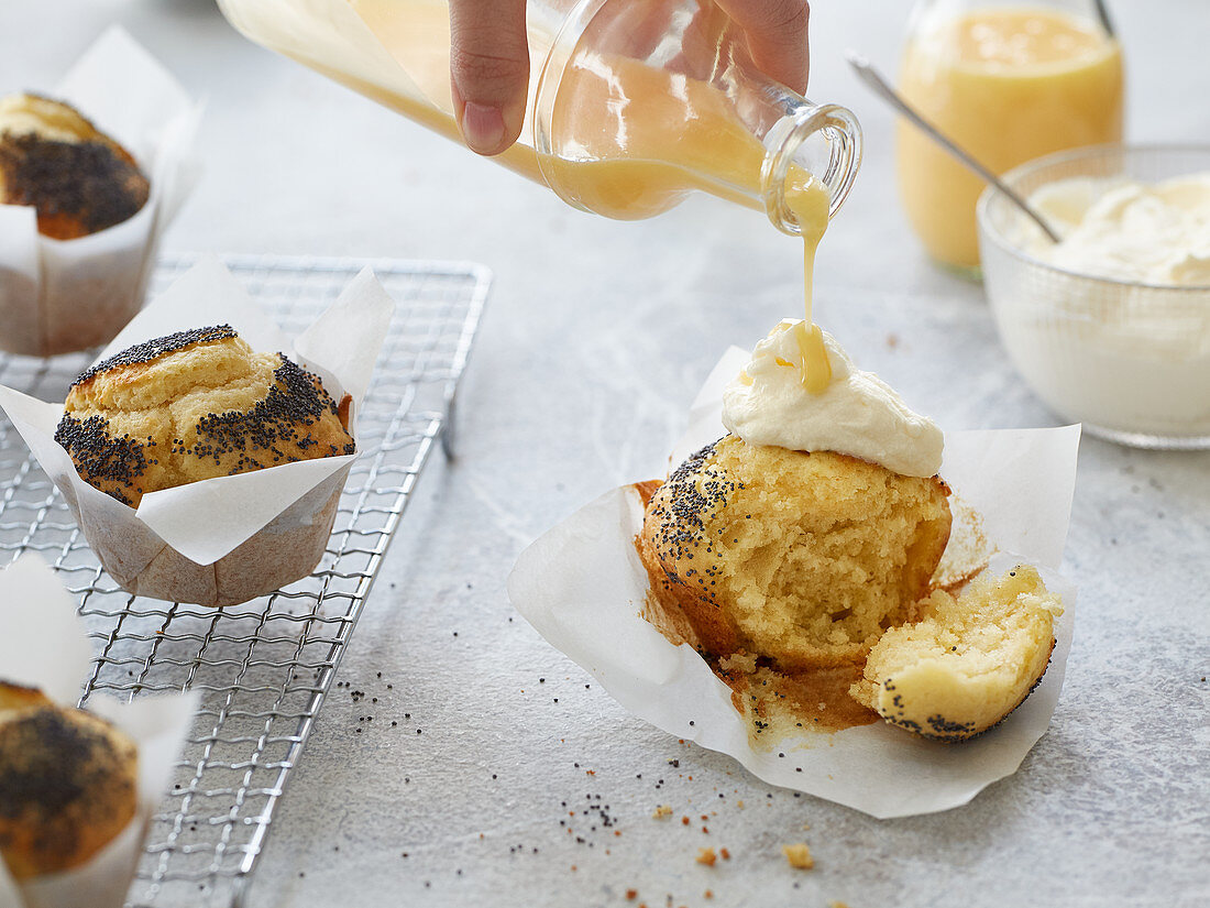 Eggnog muffins with poppyseeds
